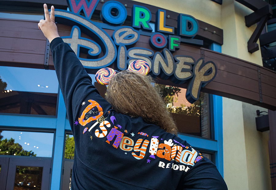 Disneyland Resort Halloween-themed Spirit Jersey