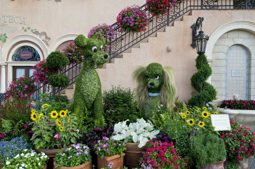 Lady and the Tramp topiary at EPCOT